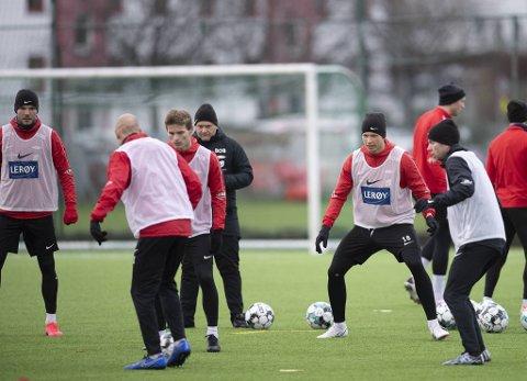 Brann-spiss Erlend Hustad ville ikke prate med pressen etter mandagens trening.