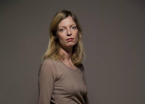 Asta Olivia Nordenhof har gitt ut første bok av sitt syvbindsverk som springer ut fra Scandinavian Star-katastofen.