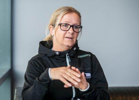 Daglig leder i Drammensbadet Kristina Vinda sier Drammensbadet holder stengt frem til prøvesvarene viser at de er kvitt bakterien.