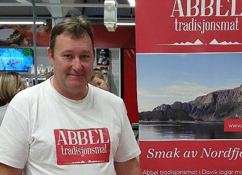 ABBEL: Kjøtkakegrunder Jonny Bakke må tilsette fleire folk no som han rykkar inn i fleire butikkar. FOTO: Arkiv