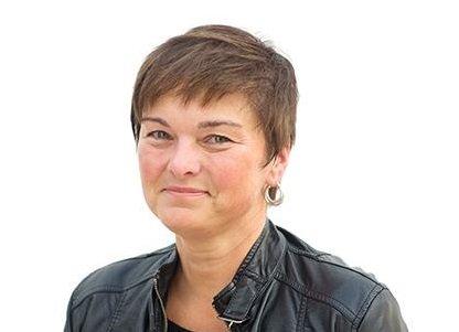UNDRAR: – Kvifor er det meir verd å ta vare på maskiner, bygge bruer og hus, enn å ta vare på menneske? spør Anne-Grethe Naustdal, prodekan for utdanning ved fakultet for helse- og sosialvitskap ved Høgskulen på Vestlandet.