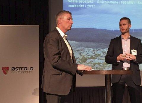 Imponerte på  Østfoldkonferansen: Strategidirektør Tommy Fredriksen i Østfold Energi (til venstre) og daglig leder Olav Rommetveit i Zephyr fortalte om en av de største Østfold-suksessene i historien: Avtalen med Google. (Foto: Øivind Lågbu)