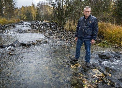 BEDRE ENN PÅ LENGE: Daglig leder av NGOFA, Kjell Cato Strand, sier seg ikke enig i påstandene. Han sier Aagaardselva har mer fisk enn på lenge. Arkivfoto: Johnny Helgesen