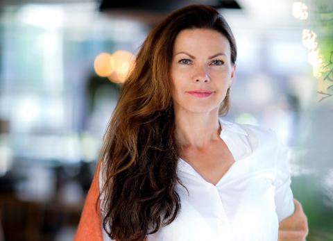 Designer Merete Nyegaard Dèhn har hatt en kraftig omsetningsøkning av klærne sine gjennom sin egen nettbutikk i  2020.