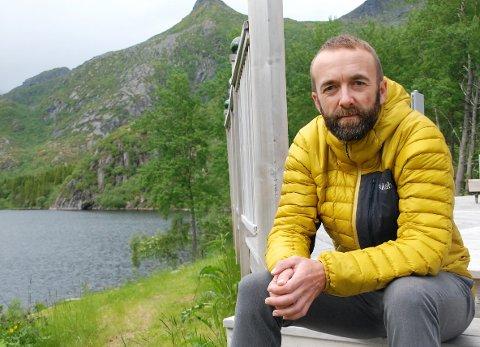 Jan Håkon Juul sier at Vågan nå må regne med å ha smitte i kommunen en god stund fremover, etter at sju nye positive koronatester tirsdag kveld.
