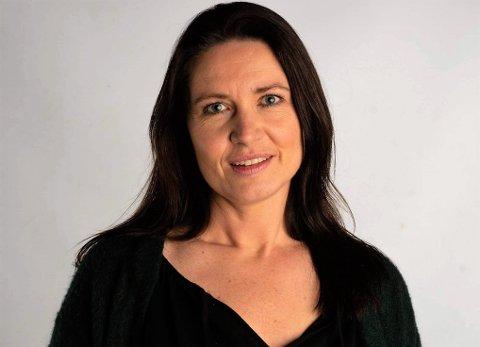GLAD: Tillitsvalgt i EROPH, Hilde Sørensen, var lettet og glad etter at kommunestyret reverserte stillingskuttene. Men feiring ble det ikke tid til.