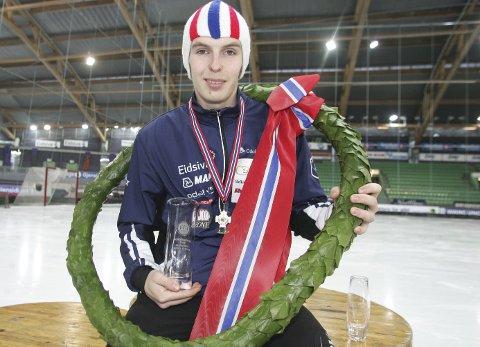 Tidenes beste: Hallgeir Engebråten vant junior-NM på en suveren måte, og sikret seg samtidig fire mesterskaps       rekorder. Nå gleder han seg til junior-VM. BILDER: HENNING DANIELSEN