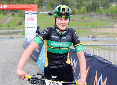 Hedda Brenningen Bjørklund har markert seg i Norgescupen i terrengsykkel men også god på landevei. Lørdag ble det 8. plass i junior NM.