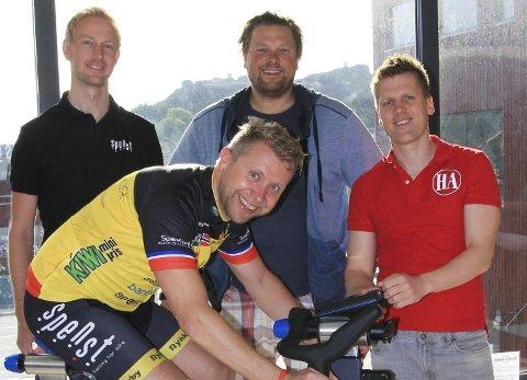 DE UTFORDRER DEG: Foran på sykkel Lars-Espen Hansen i Team Rynkeby. Bak fra venstre: Anders Viken, Trond-Atle Bokerød og Morten Ulekleiv.Foto: Line Rønsen