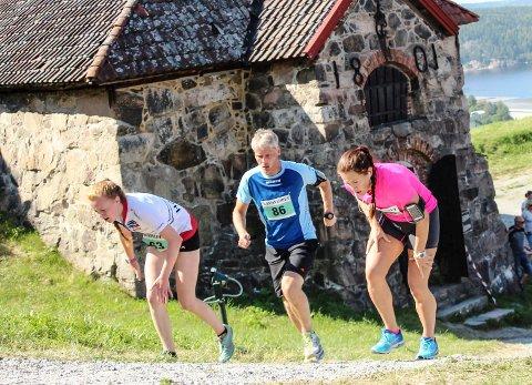 KANONLØPET:  er en kamp mot seg selv fra Torget og opp til festningen. Nå er årets løpsfest avlyst.