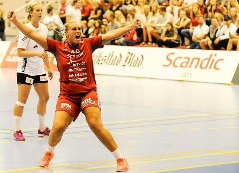 Tidligere Halden-toppscorer Pernille Christensen og Fredrikstad BK er på vei mot opprykk til eliteserien.