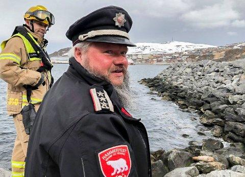 STORE OPPDRAG: 2020 var preget av mange, men også store oppdrag for det kommunale brannvesnet i Hammerfest. Brannsjef Arne Myrseth viser til en kommune med høy aktivitet både i dag, og framover.