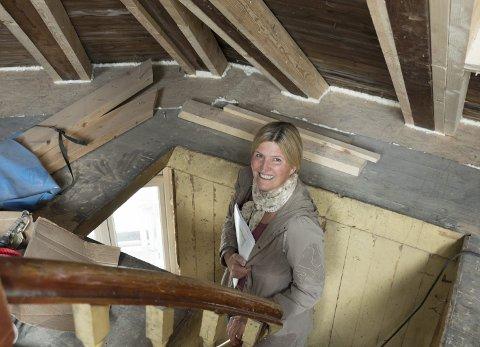Eigar: Helga Schöbitz Tverdal har fått leigetakarar til alle tre næringslokala i Bakkegata 4A, og meiner ho er i målgruppa for å få støtte frå Odda kommune.