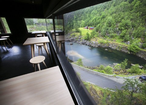UTSIKT: Fra kafeen kan man nyte utsikten. Den er upåklagelig.foto: grethe nygaard