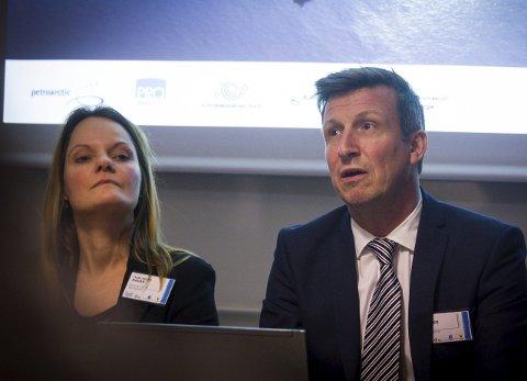 STORE TING PÅ VEI: Kjell Giæver, her med Trine Bredal Hauan fra Pro Barents, jubler over gladnyhet fra Lundin.