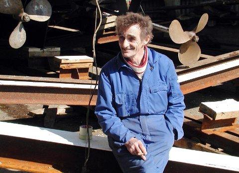 - Det er to ganger I livet man er glad. Det er den dagen man kjøper, og den dagen man er kvitt skiten, fastslår Ole Lindseth (71), som nå pensjonerer seg. OLYMPUS DIGITAL CAMERA