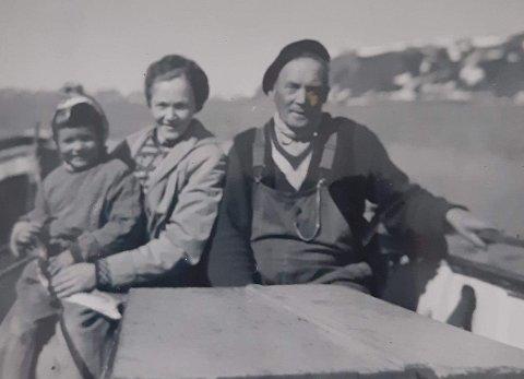 Ivar Astrup med datteren Ingrid og barnebarnet Eva.