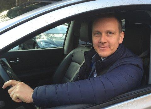 – Tilpass farten og avstand til bilen foran etter forholdene. Det er for sent å tenke seg om når du har kjørt utfor, sier Roger Ytre-Hauge i Frende Forsikring.