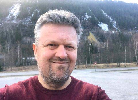 Nyhetsredaktør: Cato Martinsen vikarierer for Linn K. Djønne i jobben som nyhetsredaktør i Lp. Han gleder seg til å videreføre det gode arbeidet han mener Lp har gjort det siste året.