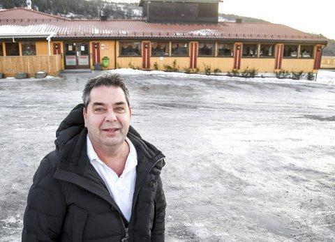 Januarshopping: Eiendomsutvikler Rune Halstensen sier han ønsker en utvikling som «tar vare på Lierkroas uttrykk» etter at han kjøpte det historiske bygget i Lierbakkene.