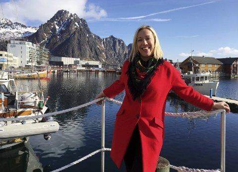 TRIVES: Før hun begynte i Vågan, tenkte Lene Sommerseth Hansen at hun ville bli ensom, at jobben ville bli begrensende og at hennes faglige utvikling ville stoppe opp. Det motsatte skjedde. FOTO: Anne Kristiansen Rønning/NAPHA