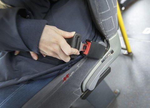 Å bruke sikkerhetsbelte også på bussen er viktig for din egen sikkerhet, og for andres.