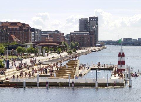 Slik ser det ut i havnebassenget i København. Kanskje kan det komme nye lignende på Nyhavna?