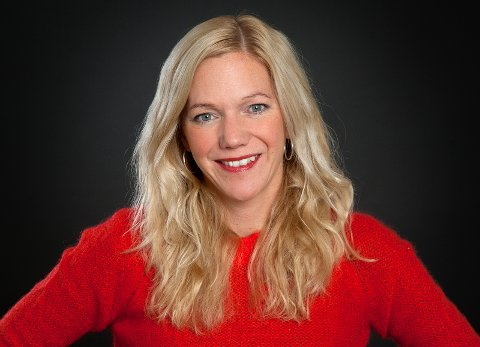 """Korpsmamma og aktuell med ny bok til høsten: Maja Lunde snikleser fra """"Snøsøsteren"""" på Trasop i helga."""