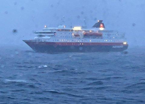 Feil ved drivstofftilførsel var direkte årsak til motorstansen på «Kong Harald» tirsdag kveld.