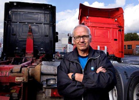 - HELT FEIL: - Det blir helt feil for både transportøkonomi og miljø å legge en tømmerterminal oppe på Trevatn, mener Guttorm Tysnes i Norges Lanstebileier-Forbund Oppland og Hedmark.