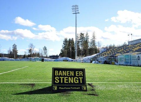 Nammo stadion har vært stengt en periode på grunn av koronaepidemien, men mandag åpnes den for organisert trening i regi av Raufoss Fotball.