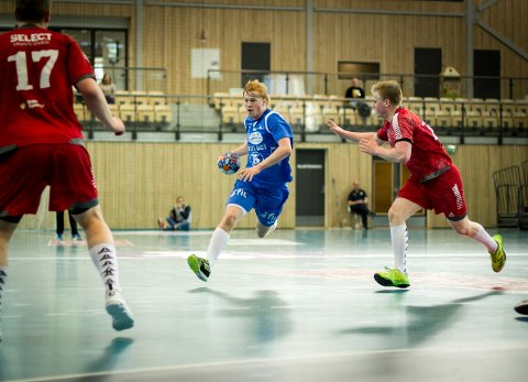 Kasper Lothe var skuffet etter kampslutt. 18-åringen ble kåret til Follos beste, men det var en fattig trøst.