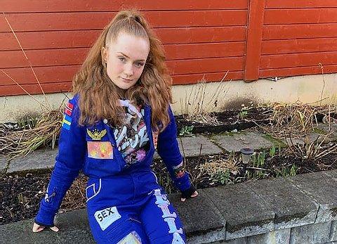 SPENT: Russepresidenteb ved Drømtorp videregående skole, Jessica Albertsen, er spent på hva som skjer med russetiden som snart begynner.