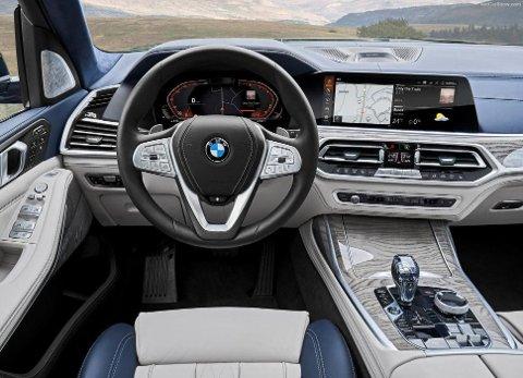 Førermiljø i kjent BMW-stil, her bør det ikke være vanskelig å trives.
