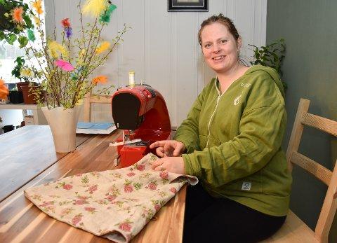 ØKOLOGISKE BARNEKLÆR: Marthe Svendsen Aune vil importere sertifiserte klær og leker for å kunne selge videre.