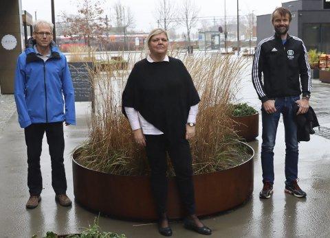 REAGERER: Ketil Pettersen, Lill Berit Løyte Sjøsåsen og Øystein Palmgren reagerer på PD-lederen om friidrettshall, og kaller den for kunnskapsløs. De understreker at det å få bygget en friidrettshall er av stor betydning for hele regionen, og for Porsgrunn.