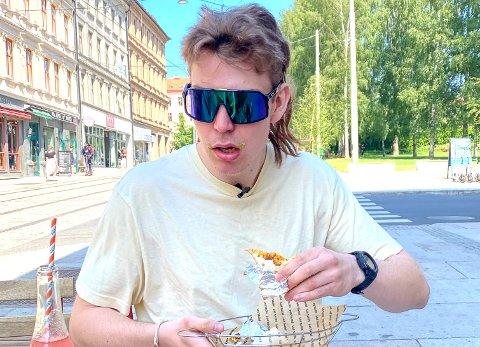 DRESSINGFANATIKER: – Jeg elsker dressing. Det må du få med, ler Oskar Westerlin (23).