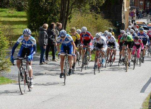 Ringerike Sykkelklubbs ryttere lå langt fremme i juniorryttet opp Riperbakken søndag formiddag.