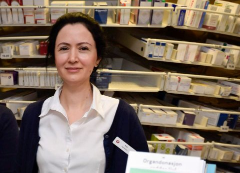 Daglig leder ved apoteket i Sentrumskvartalet, Katayoun Asefi.