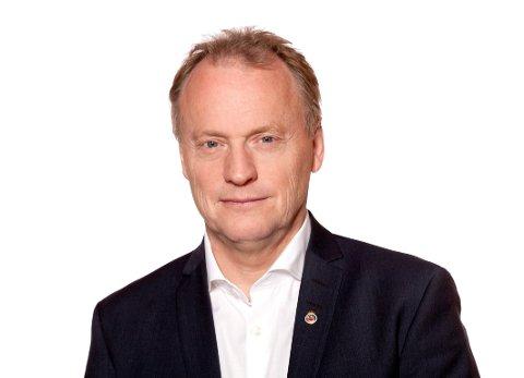 MÅ TA ANSVAR: Byrådsleder i Oslo, Raymond Johansen (AP) krever at samferdselsminister Jon Georg Dale (Frp) tar ansvar for de høye bompengeprisene det vil bli på nye E18 inn mot Oslo.