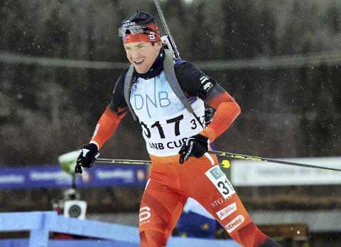FYLTE SKIVA: Martin Lindland skjøt fullt hus og ble nummer fire under helgas norgescuprenn i skiskyting i Steinkjer. Foto: Torild Hofstad