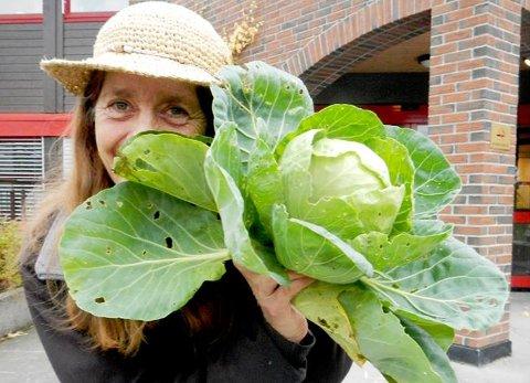 VIL DU DYRKE EGNE VEKSTER: Nina Berger kommer til Slemmestad for å dele sin kunnskap om planter og kompostering på Slemmestad bibliotek lørdag.