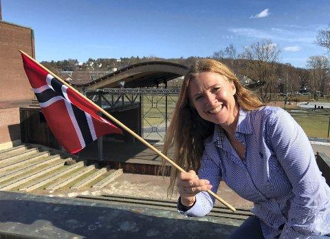 17.MAI: Sekretær i komiteen, Tine Østby gleder seg til nasjonaldagen. Hun håper at flere lag fra Andebu og Stokke stiller i Borgertoget.