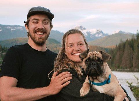 PAR I HJERTER: Sandefjordingen Halfdan Lie Hem (28) har etablert seg med samboeren Madelaine og hunden Terrence i Vancouver. Han har bodd i den canadiske byen i ni år, og stortrives der.