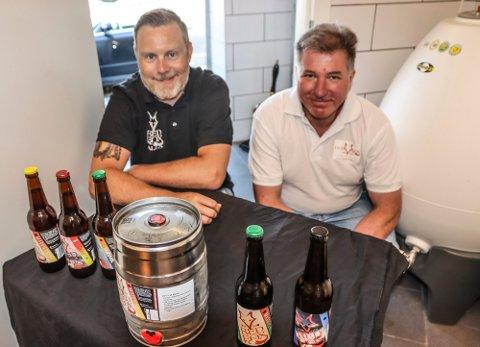 Alexander Larsen og Cato Østby har vært to av i alt seks eiere i mikrobryggeriet Redfox Ales. Nå legger det lille Greåker-bryggeriet ned.