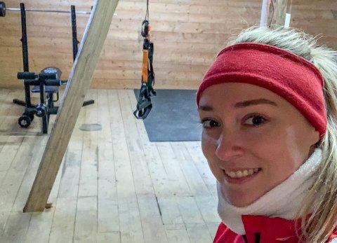 GLEDER SEG: Eli Marie Raasok er klar for dansk toppserie i håndball. Nå håper hun å få flyttet til sommeren, men sikker er hun ikke.
