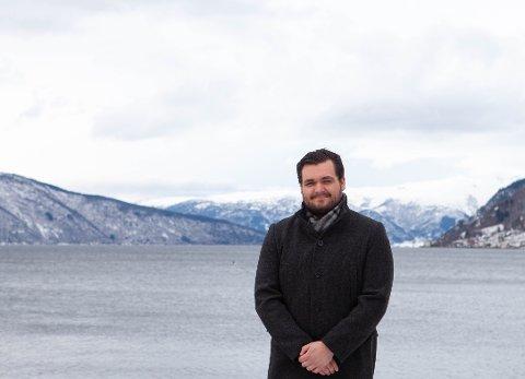 NY JOBB: Gabriel Yttri er den nye organisasjonsekretæren til Vestland Senterparti. Ei utfordring han gler seg til å ta fatt på.