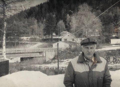 DRAMATISK: Johannes Pedersen opplevde den dramatiske trefningen i Gransherad  28. april 1940 hvor 40 sivile gisler ble tatt av de tyske troppene som skal ha vært omlag 300 mann.  (Faksimile Telen 6. april 1990)