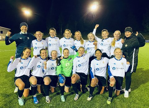 IDRETTSGLEDE: Valdres FK var det lokale laget som fikk mest grasrotmidler i årets andre tertial, her representert ved damelaget som i september slo Lunner/Harestua med hele 9-0.