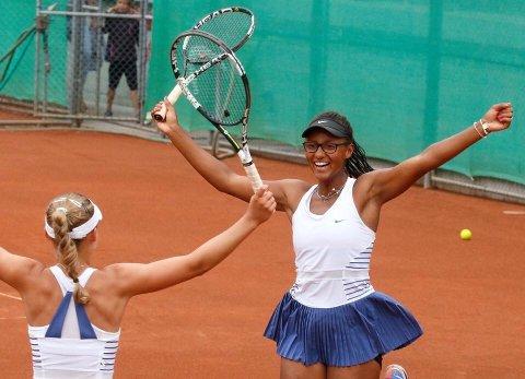 NM-VINNER: Astrid Wanja Brune Olsen er i singlefinalen under NM i tennis, og har allerede sikret seg gullet i double.